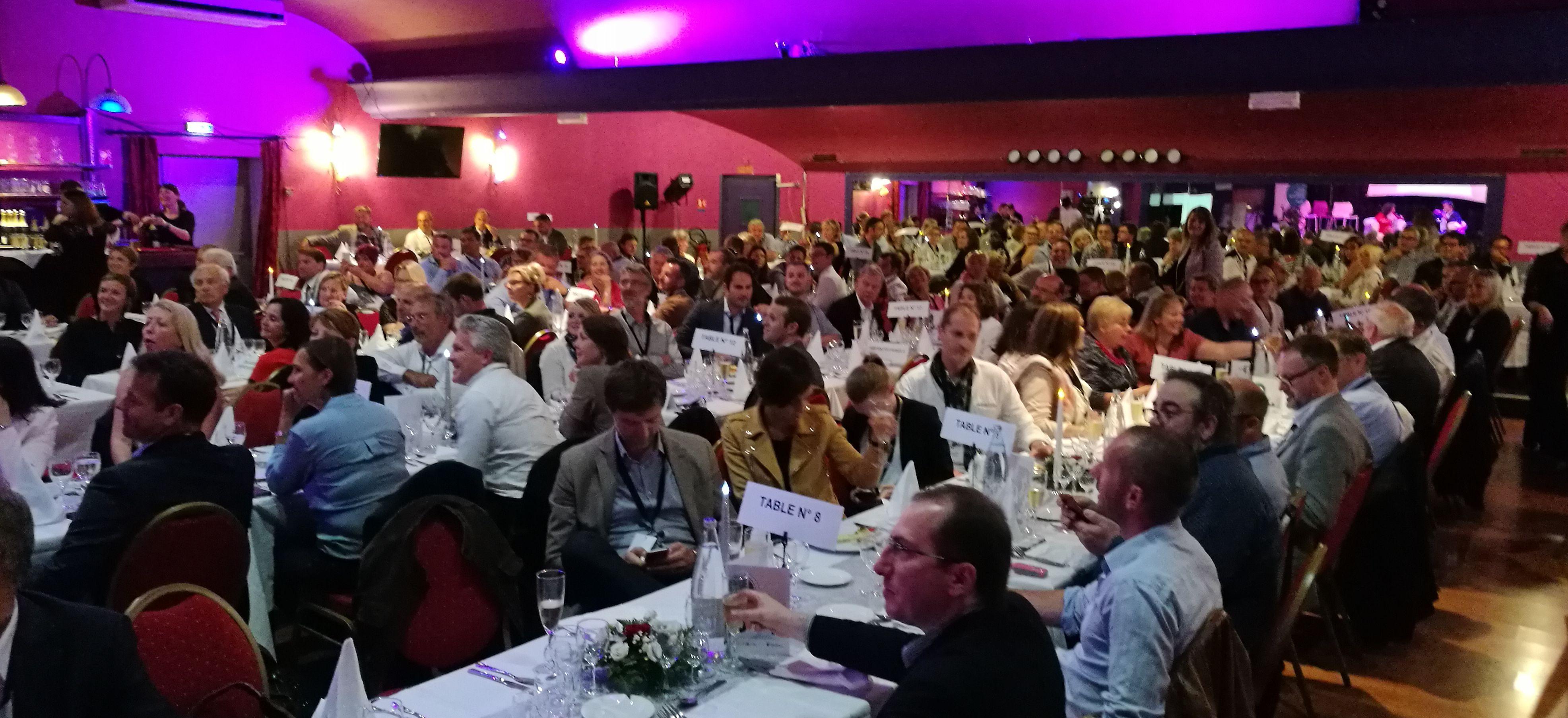 200 dirigeants la soir e couleurs d 39 entreprises avec for Dlb meubles
