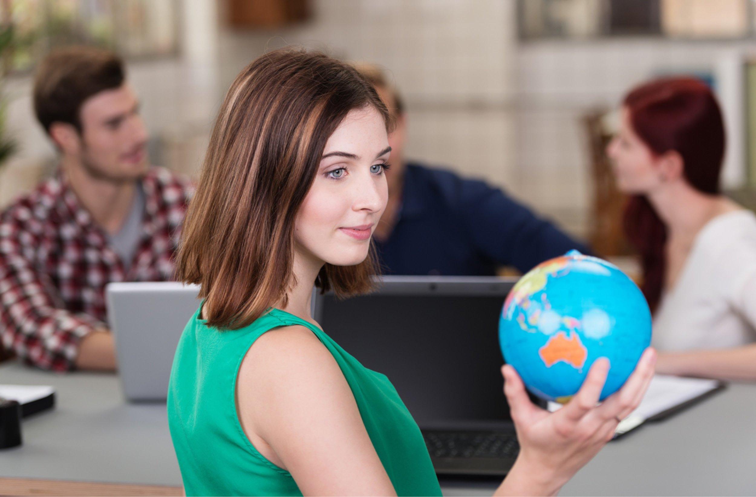 Le VIE est un excellent outil de développement à l'international pour les entreprises. Il leur permet de recruter de jeunes talents dans des conditions très avantageuses.