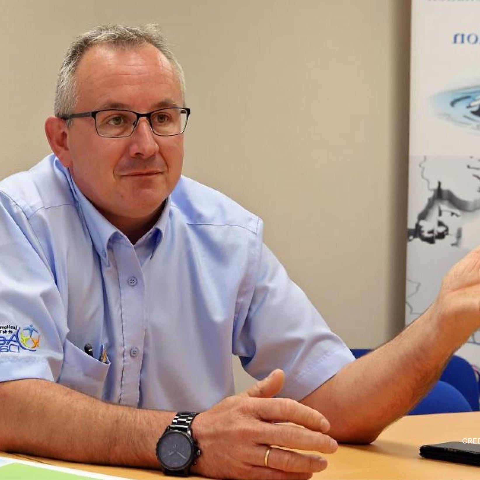 Claude Pruvot, la société Nouvelle AES DANA pour la newsroom